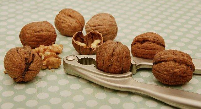 Mlsejte zdravě – ořechy i oříšky