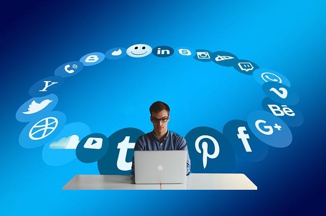 obklopení sociálními sítěmi