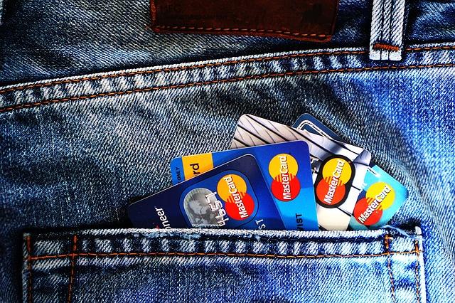 čtyři kreditky v kapse.jpg