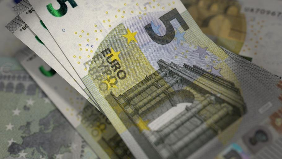 menší eurobankovky