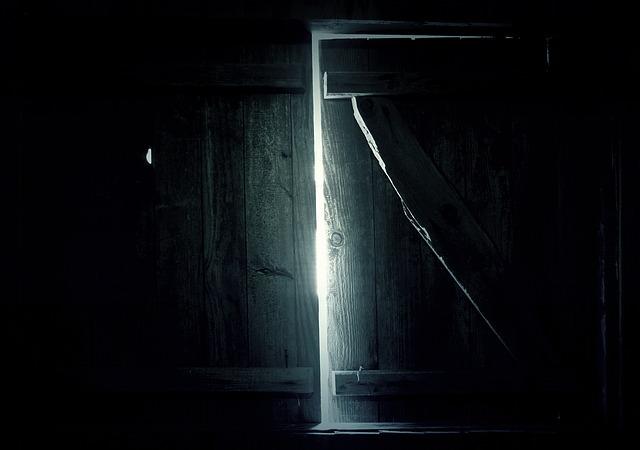 tajemný vchod.jpg