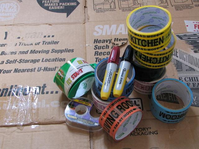balicí materiál – lepicí pásky